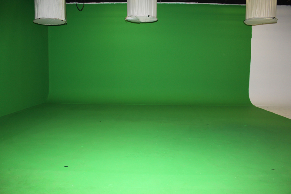 The use of chroma screens for web video interviews is an